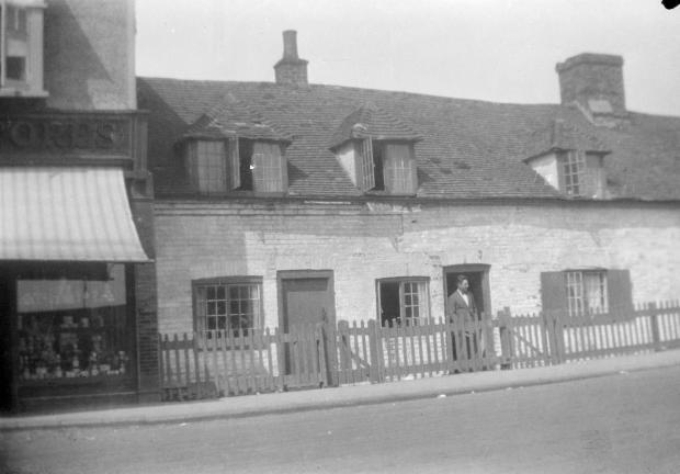 nash-rose-cottage